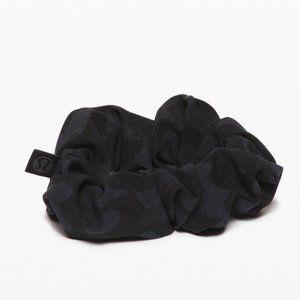 NEW Camouflage Print Uplifting Scrunchie